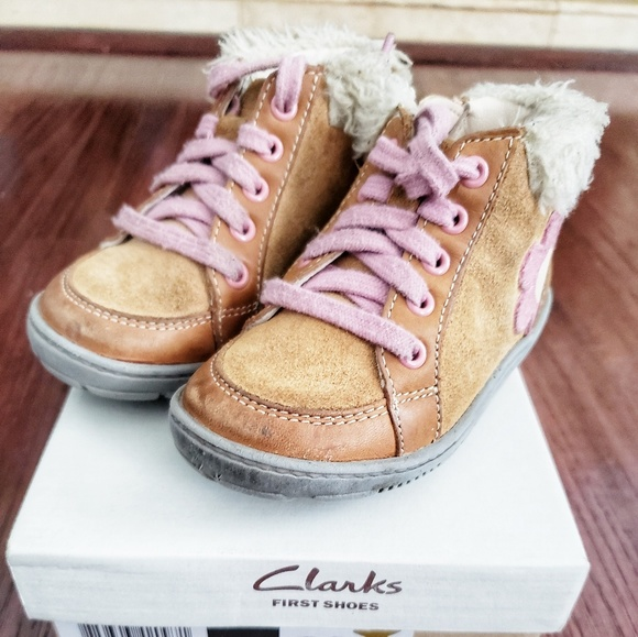 elegant and graceful classic chic amazon Clarks Baby First Walking Shoes - size 5
